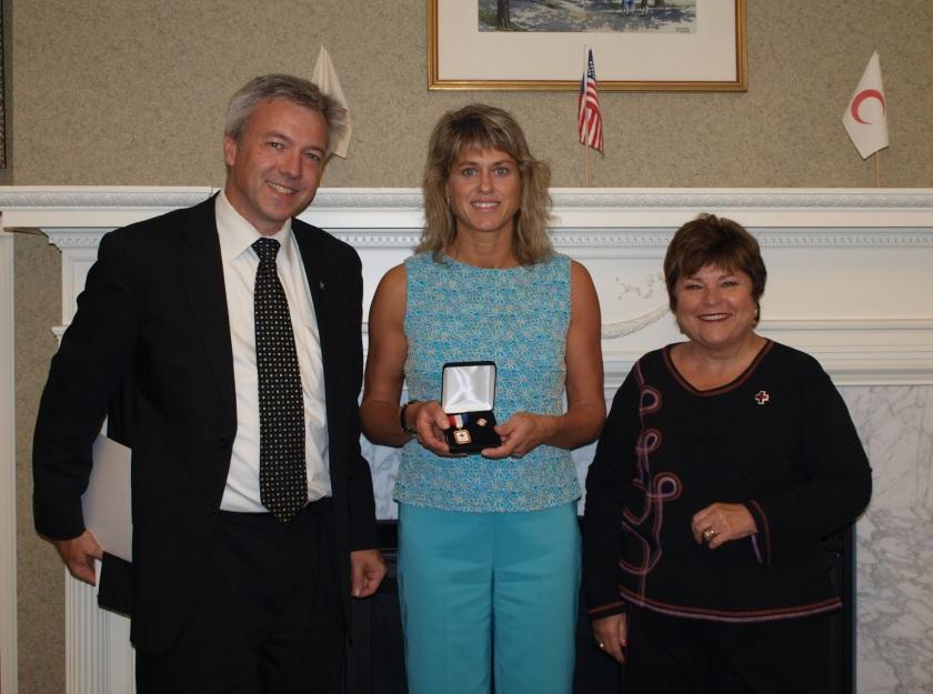 AnneMarie Receives COM Award