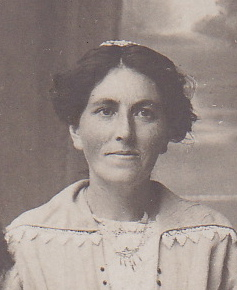 Olufine Kristofa Olsdotter Fjeld, 1914. (Photo provided courtesy of great-granddaughter Melanie Moser)