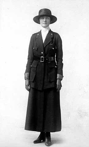 Dee Smith, 36, served with the American Red Cross as secretary in Paris, during World War I. Photo from the Minnesota Historical Society collection.