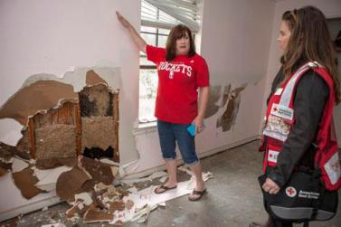 """I am so thankful to this community, my neighbors, and the Red Cross,"" says Monica Smith lost nearly everything when her home in floods in Deweyville, Texas. Photo Credit: Danuta Otfinowski/American Red Cross"